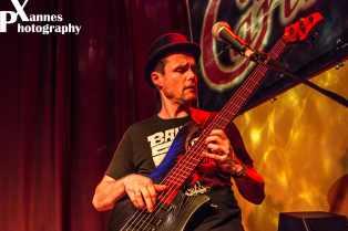 Hanse Alexander - bass, voc, Hansesachen